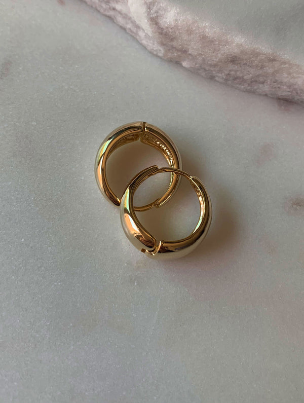 Lola Classic Round Hoops