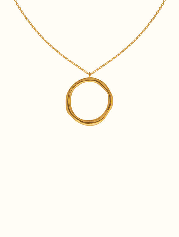18k Hammered Circle Necklace