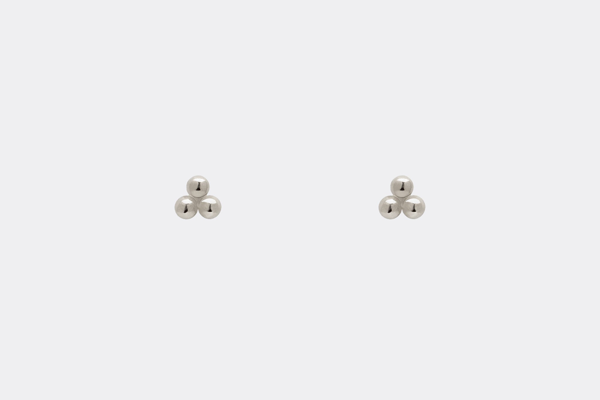 Tiny Clover White Gold Three Dot Stud Earrings E2243