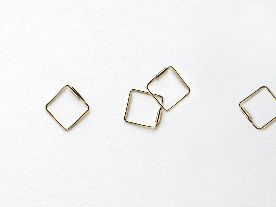 Tiny Endless Square Hoop Earrings E2310A