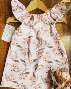 Flutter sleeve dress - Pink Gum blossom
