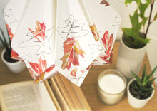 Load image into Gallery viewer, Suspension Origami en Papier - Motif Automne - taille M