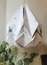 Load image into Gallery viewer, Suspension Origami en Papier - Motif Hiver - taille M