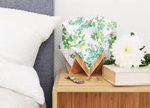 Load image into Gallery viewer, Lampe de Table Origami en EcoWood et Papier - Motif Printemps - taille S