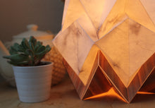 Load image into Gallery viewer, Lampe de Table Origami en EcoWood et Papier - Motif Hiver - taille S
