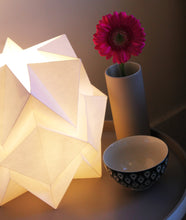 Load image into Gallery viewer, Lampe de Table Origami en Papier - Size S