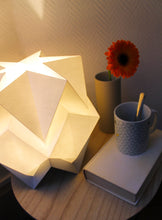 Load image into Gallery viewer, Lampe de Table Origami Bicolore en Papier - taille M
