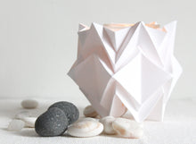 Load image into Gallery viewer, Bougeoirs Origami en Papier - Lot de 3