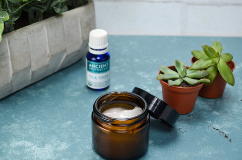 Homemade Hand Sanitizer with Tea Tree Essential Oil