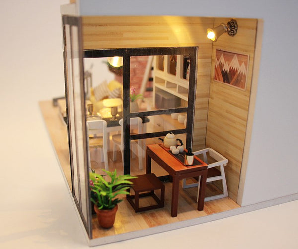 DIY M038 'Give You Happiness' Wooden Miniature Dollhouse w/ LEDs