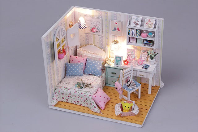 DIY Doll House Furniture Kits Wooden Kids Toy Miniature Dollhouse w/ LEDs and Dust cover Present for Kids Crafts Doll House Room