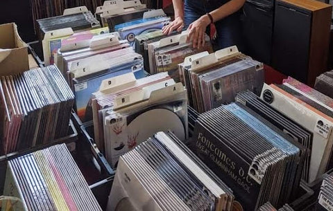 record store dividers by Filotrax