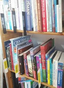 How to organise your books with shelf markers