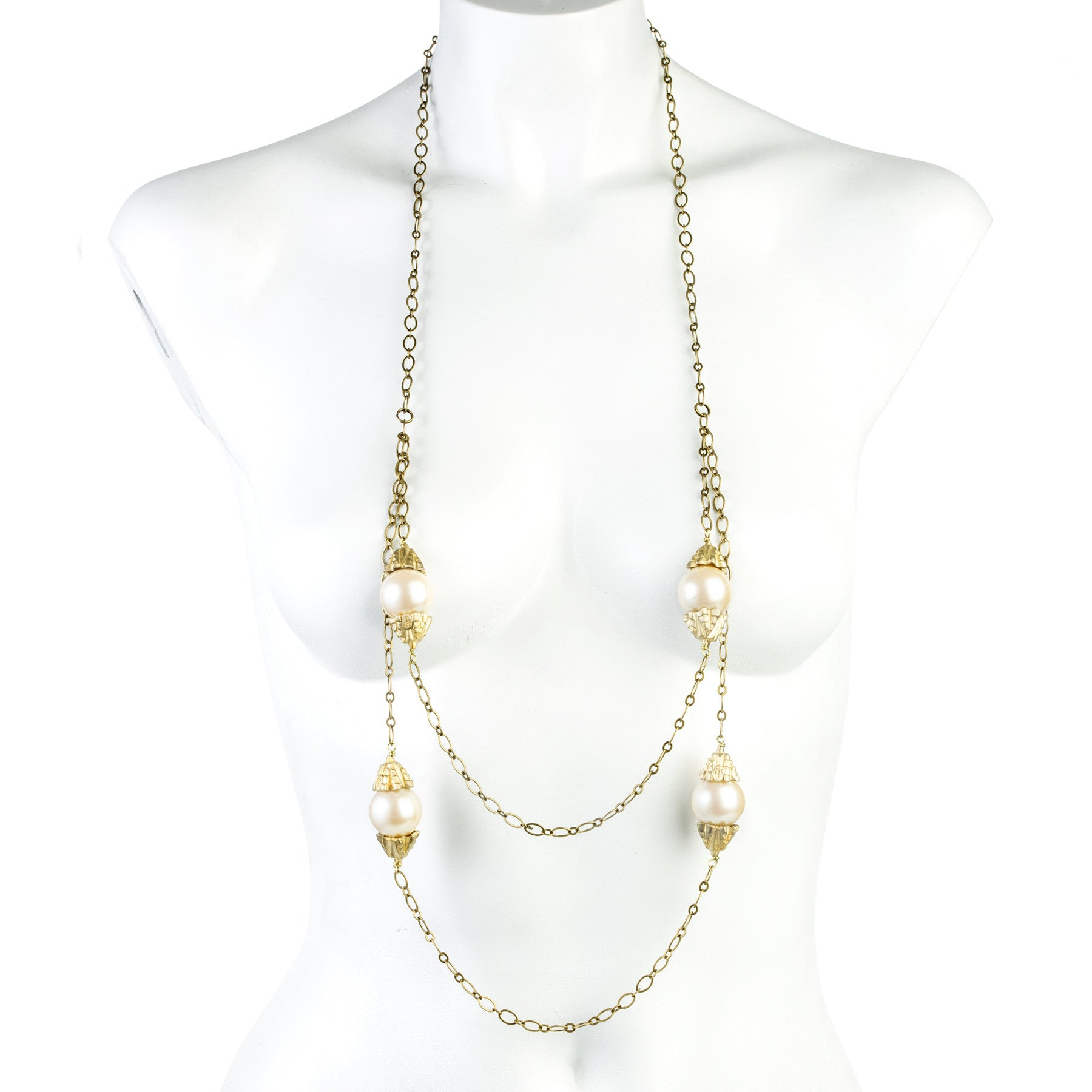 DECO PEARLS AND CHAINS