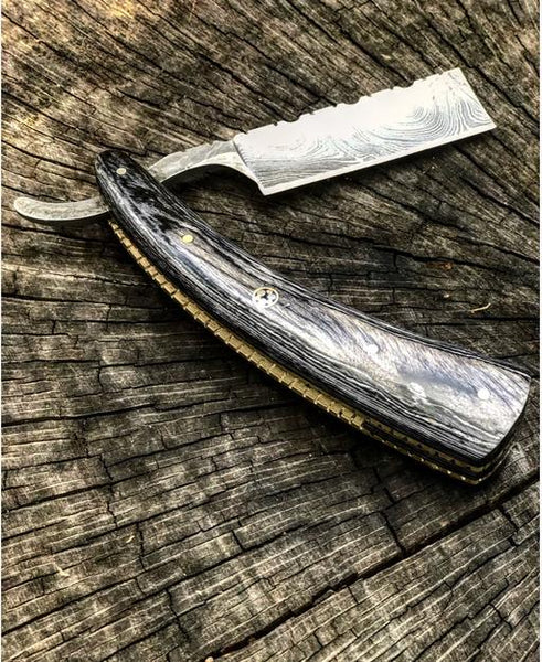 Damascus steel straight razor