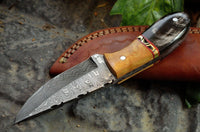 CUSTOM HANDMADE DAMASCUS STEEL BULL HORN & OLIVE WOOD HUNTING KNIFE
