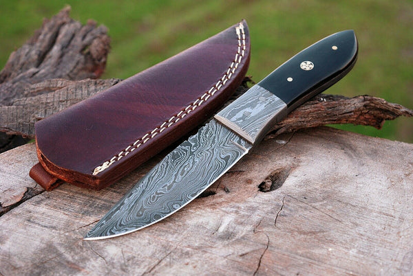 CUSTOM HAND MADE DAMASCUS HUNTING KNIFE HANDLE BUFFALO HORN