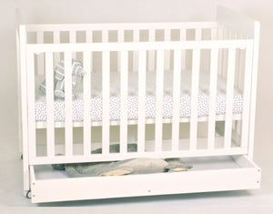 Babyworth BW01 Pioneer Cot  White Walnut
