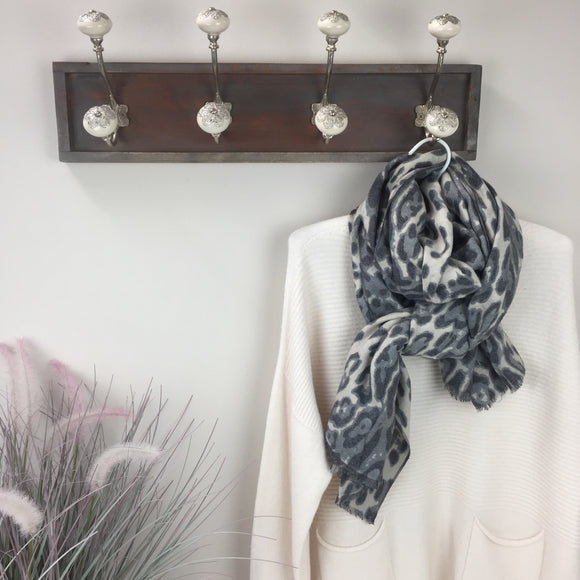 BOLD ANIMAL PRINT COTTON AND CASHMERE SCARF IN GREY