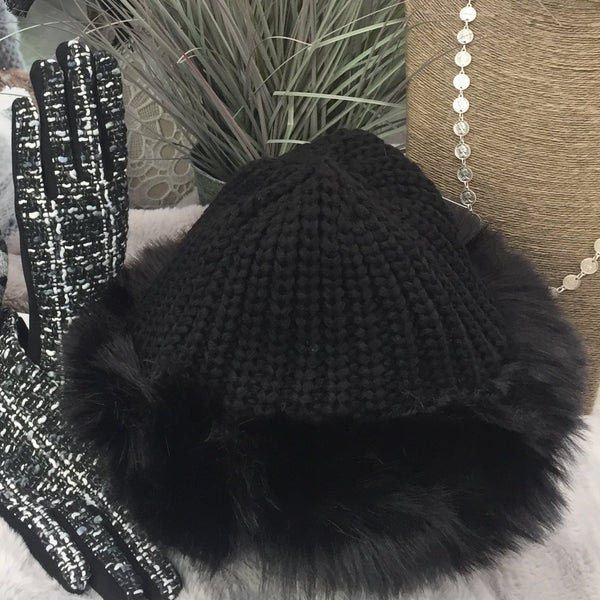 KNITTED FAUX FUR TRIM HAT WITH FLEECE LINING IN BLACK