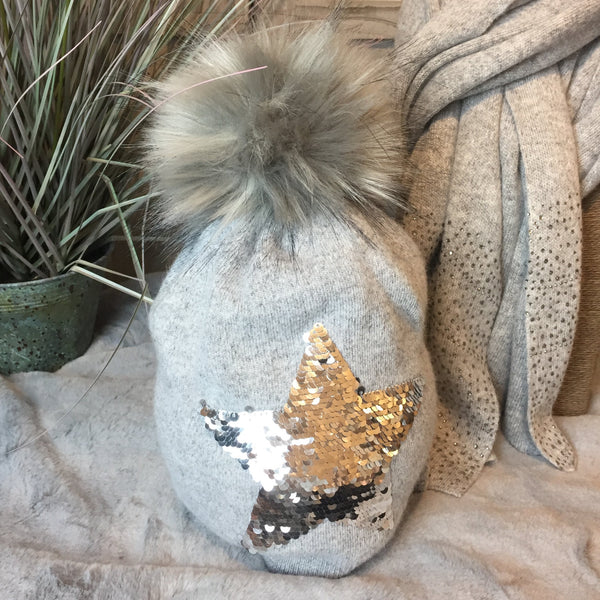 SILVER GREY SEQUIN STAR POM POM HAT