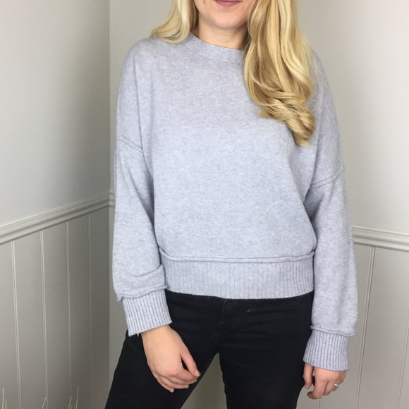 CASHMERE FEEL CROP SWEATER IN GREY