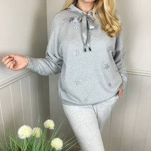 STAR KNITTED HOODIE IN SILVER GREY