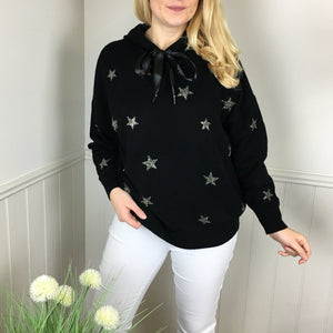 STAR KNITTED HOODIE IN BLACK