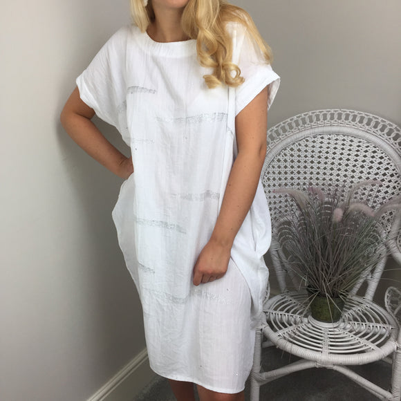 METALLIC CRINKLE COCOON DRESS IN WHITE