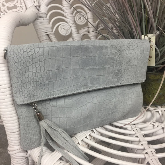 LEATHER CLUTCH BAG IN PEARL GREY