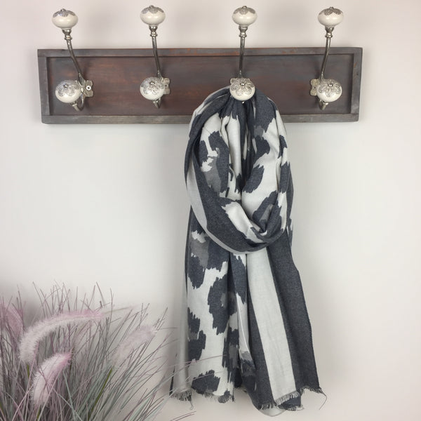 COTTON AND CASHMERE ANIMAL PRINT SCARF IN CHARCOAL GREY