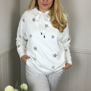 STAR KNITTED HOODIE IN WHITE
