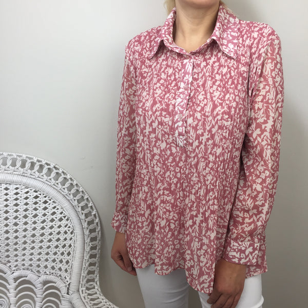 FLORAL PLEATED SHIRT IN PINK