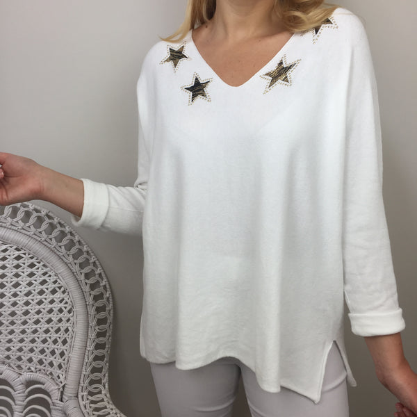 MULTI STAR V-NECK KNIT IN WHITE