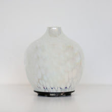 Load image into Gallery viewer, Pearlescent White Spotted Ultrasonic Diffuser