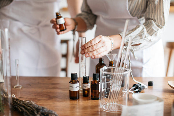 5 Best Essential Oils to Improve Your Health & Wellbeing