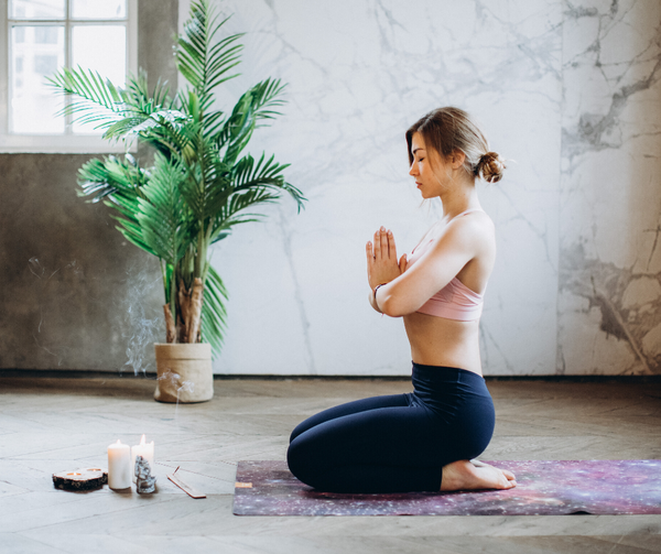 How to Combine Yoga with Aromatherapy
