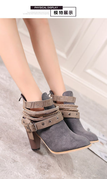 Fashion Thick With Rivet Belt Boots