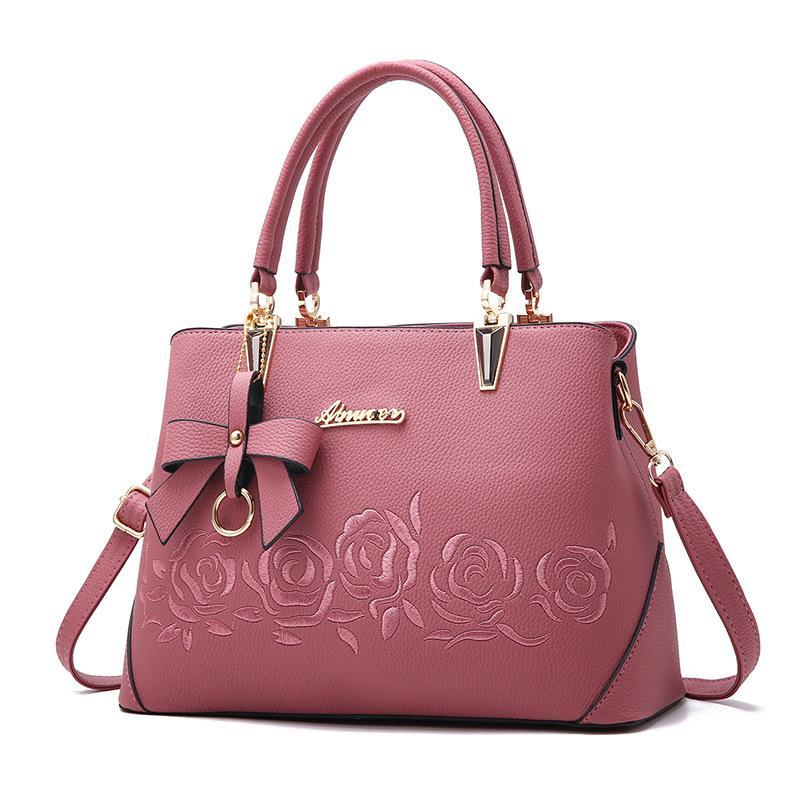Fashion Classic stereo embossed single shoulder bag