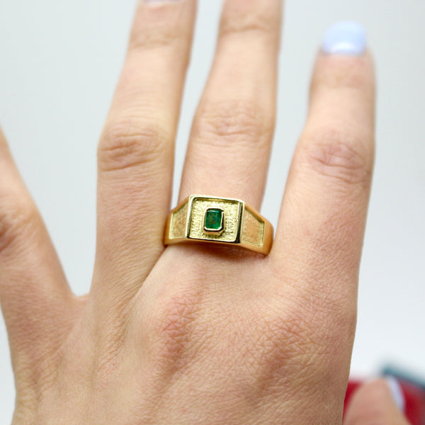 Modern Estate Bold 18k Yellow Gold Emerald Ring Size 9.5