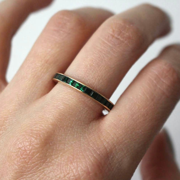 Vintage 14k Yellow Gold Synthetic Emerald Eternity Band Size 8