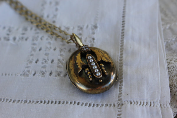 Antique 15k Gold Large Victorian Etruscan Revival Locket with Pearls and Photos