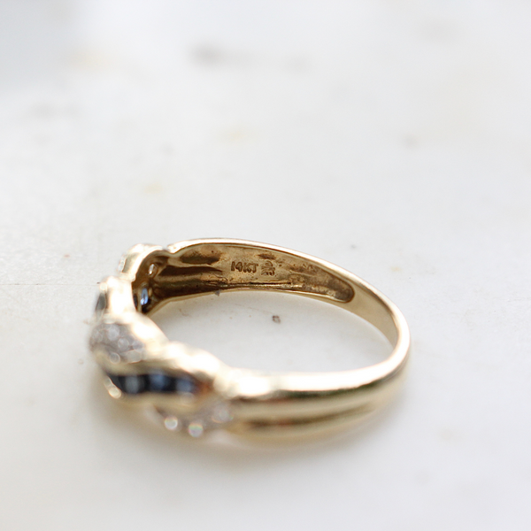 Mid Century Vintage 14k Yellow Gold Carré Cut Sapphire and Diamond Band Twist Ring