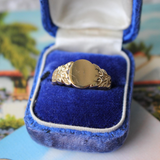 Vintage 14k Signet Ring with Vine Shoulder Details Size 6.5