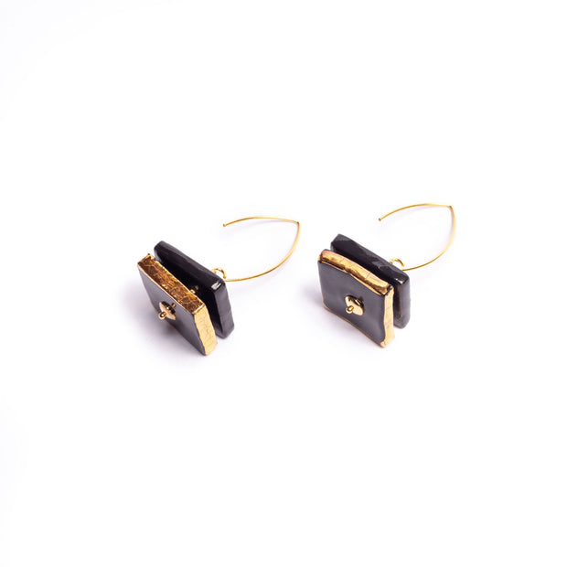 OBSIDIAN ARCHED EARRINGS