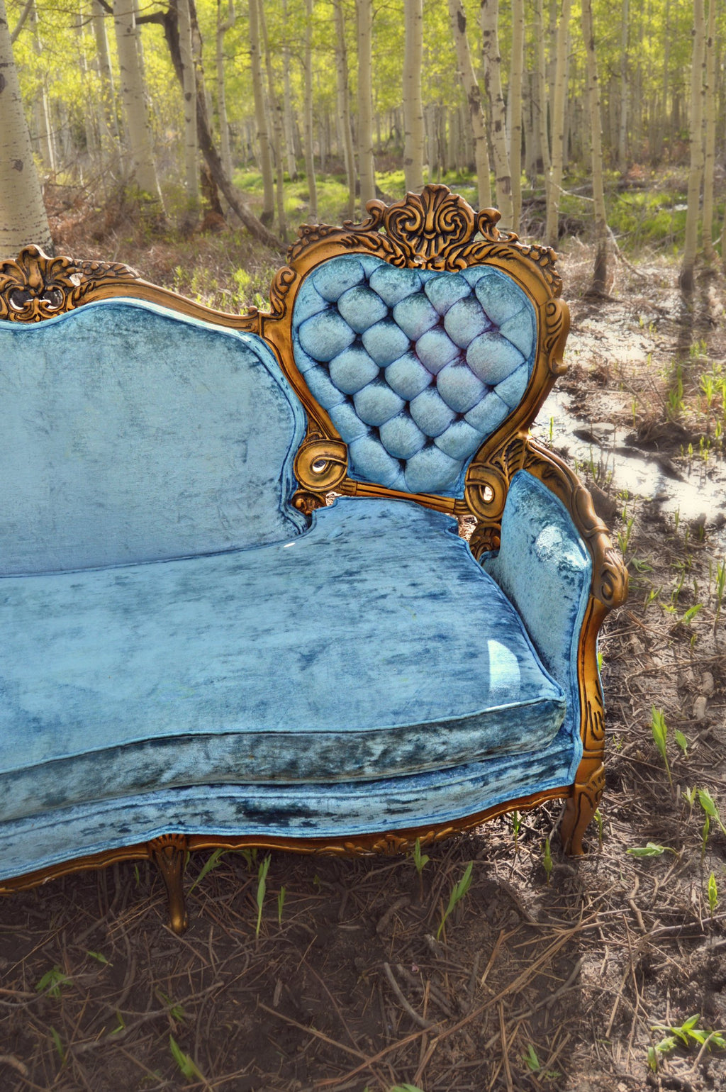 Victorian Hollywood regency style velvet blue settee