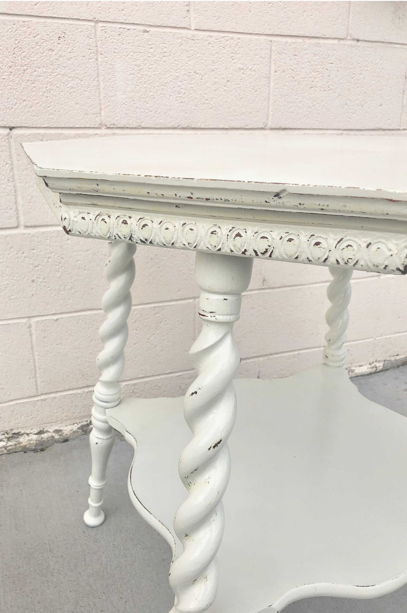 Ivory vitnage table
