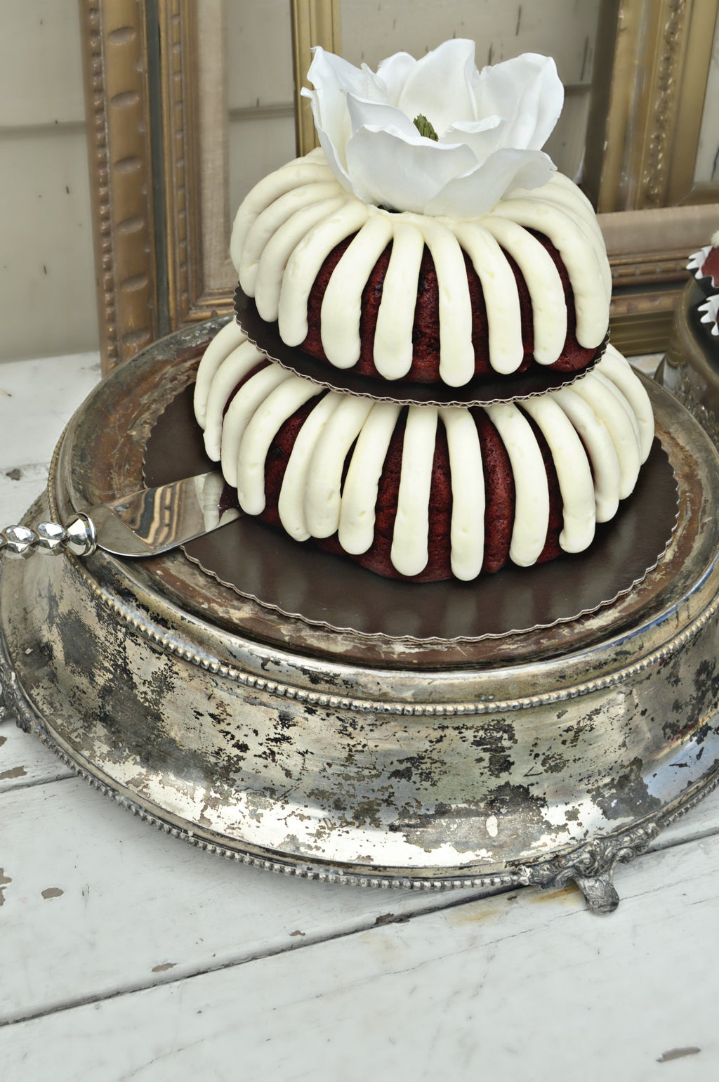 Vintage silver cake stand with bundt cake