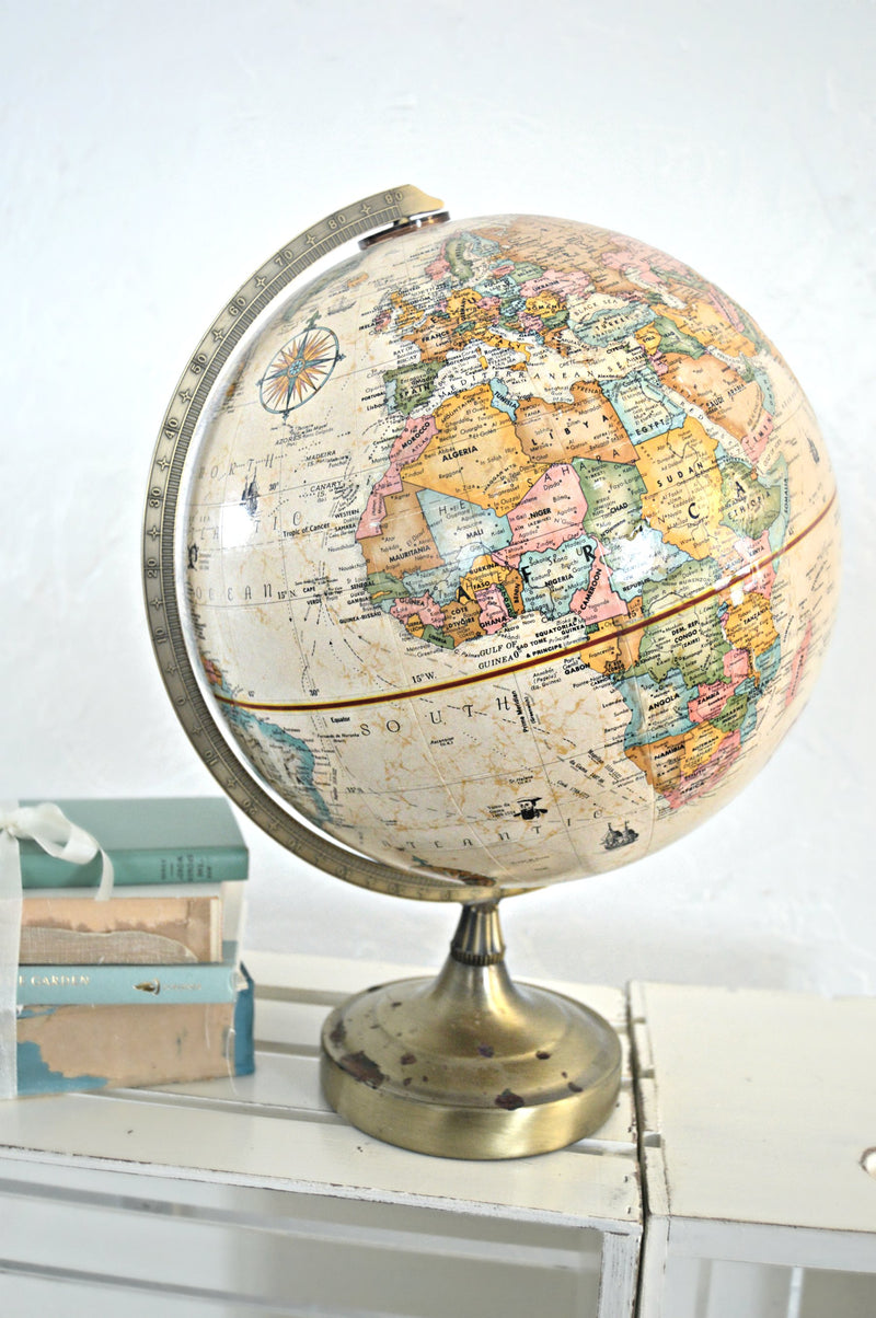 Natural world globe