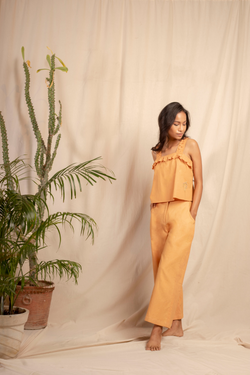 Sui | ARANCIA hand-embroidered, herbal-dyed hemp casual trousers from Granita Summer Collection 2019
